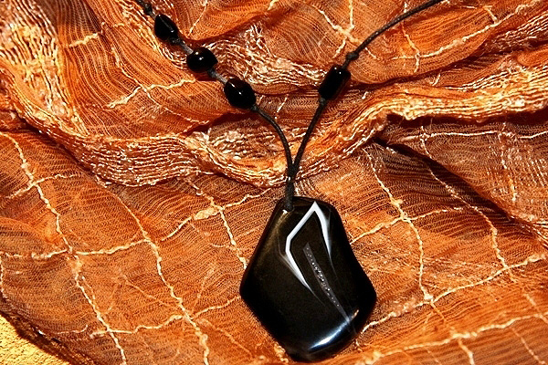 Smart Black and White Agate with Drusy Inclusion