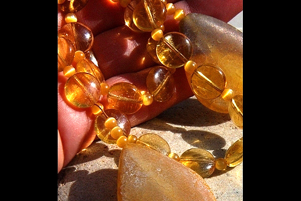 Composition of Yellow Gemstones