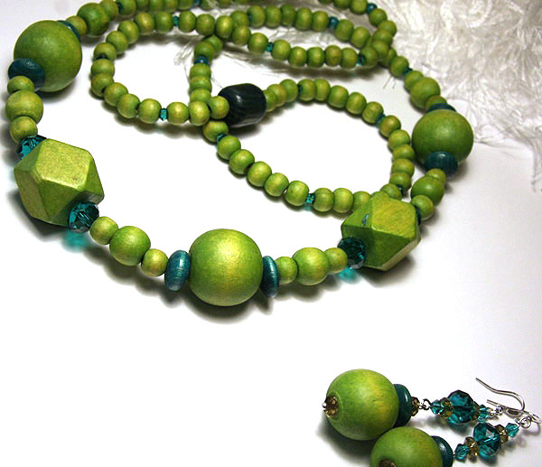 Funky Long Green Necklace